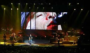 Sho2 in Eros Ramazzotti Tour 2006
